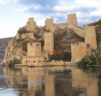 Golubac forteresse serbie danube