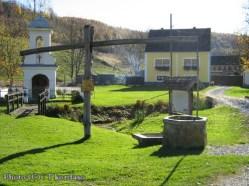 Stara Kapela puits et église