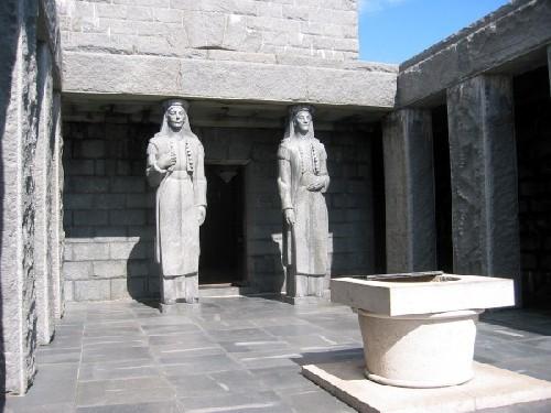 Entree au mausolée Lovcen