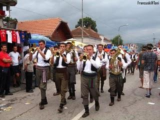Guca festival Gucha Dragaveco : le festival des fanfares en Serbie 24
