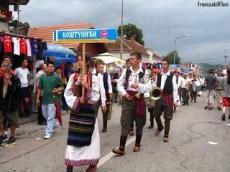 Guca - défilé de musiciens