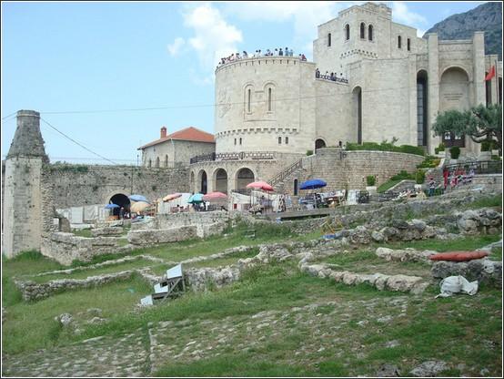 Kruja Albanie Voyage de lItalie aux Balkans (Slovénie, Croatie, Serbie, Macédoine, Albanie)