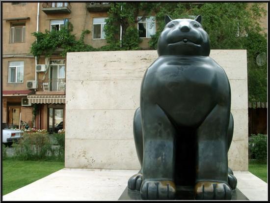 erevan Armenie gros chat botero