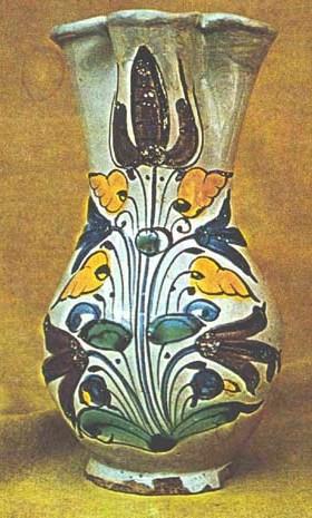ceramique transylvanie vase fleurs