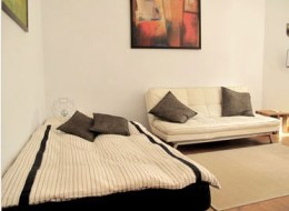 location appartement berlin hufeland Lit et sofa