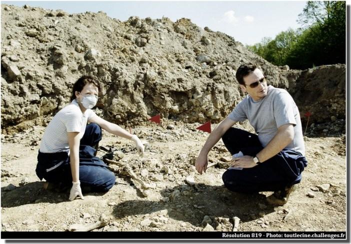 fouilles charniers en Bosnie résolution 819