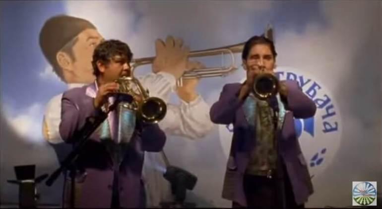Film trompette Gucha trompette d'or
