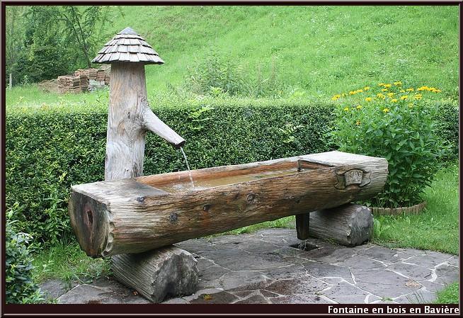 fontaine en bois baviere