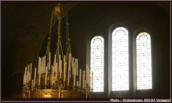 sofia cathedrale Sainte Nedelja lustre cierges
