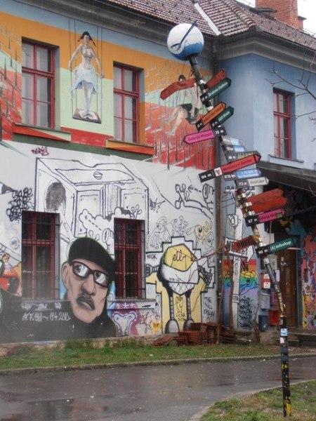 street art dans le quartiet de metelkova à ljulbjana