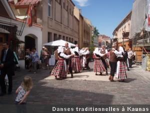 Kaunas danses traditionnelles