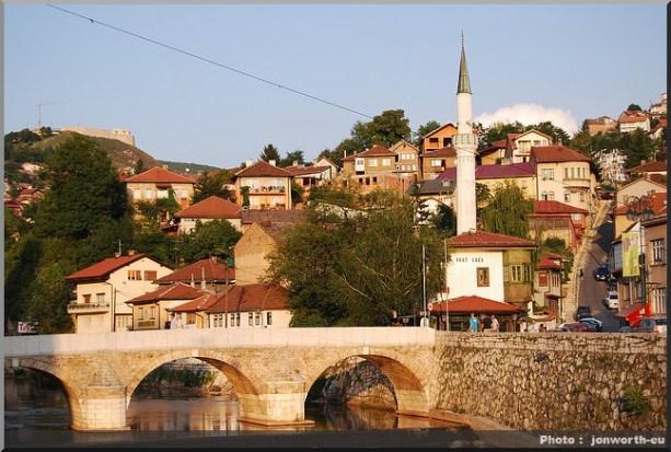 sarajevo pont et mosquee