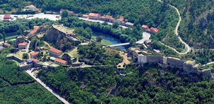 Knin vue panoramique sur la forteresse