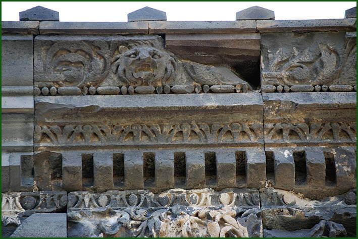 Arménie temple de Garni frise