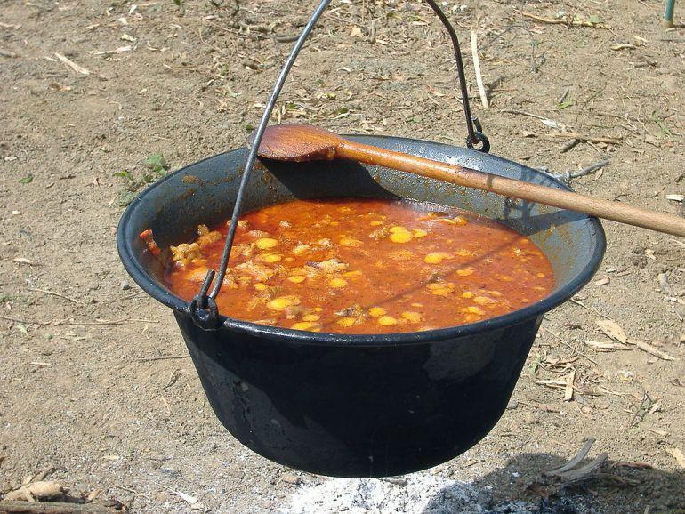 cuisine hongroise Goulash gulyaseves