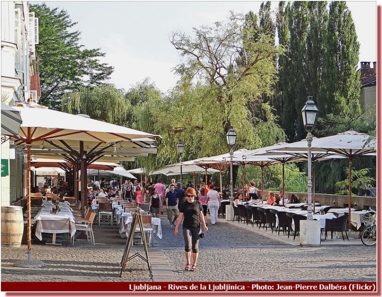 Ljubljana Cafes sur les rives de la Ljubljanica