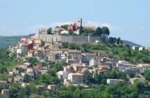 Motovun, l'un des plus beaux villages perchés en Istrie Verte