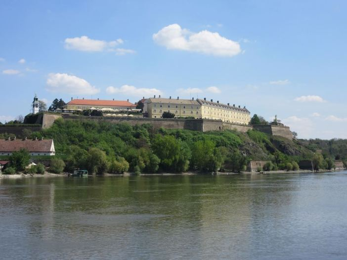 Petrovaradin forteresse de Novi Sad sur le Danube