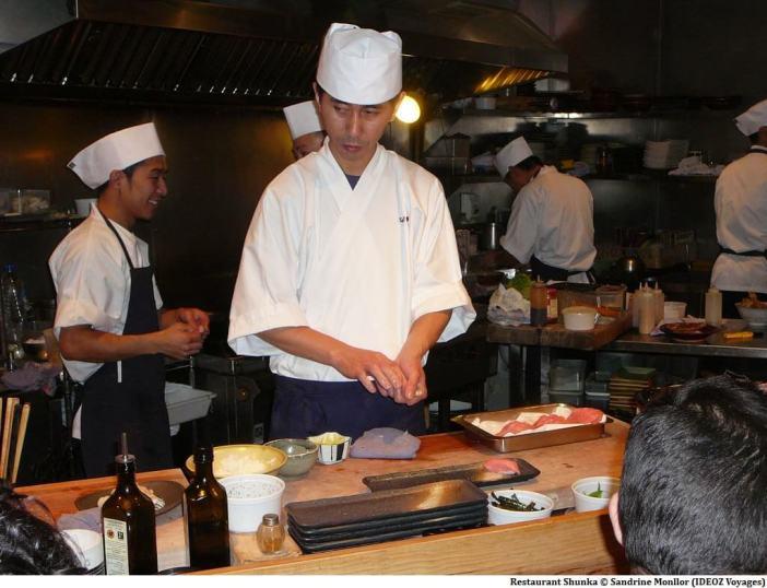 Preparation des sushi au restaurant Shunka Barcelone