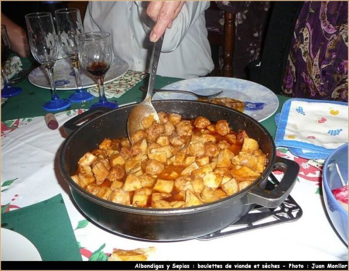 albondigas y sepias boulettes de viande et sèches plat de noel en catalogne