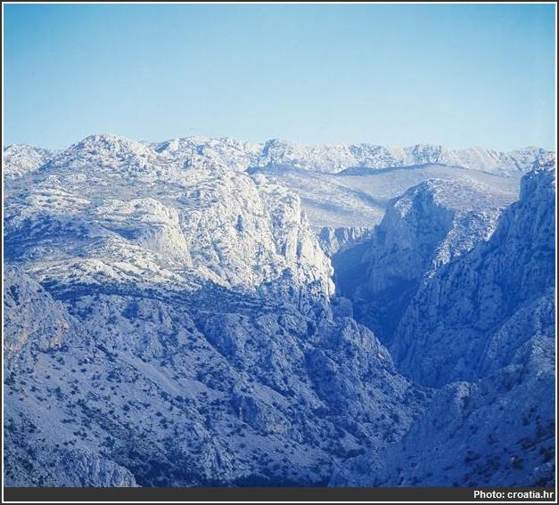 montagnes du parc national de Paklenica