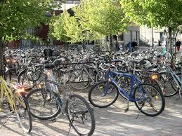 parking à vélo en suède kalmar