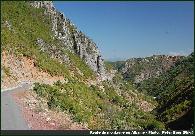 Route montagne en Albanie