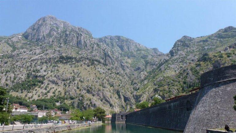 Remparts des fortifications de Kotor