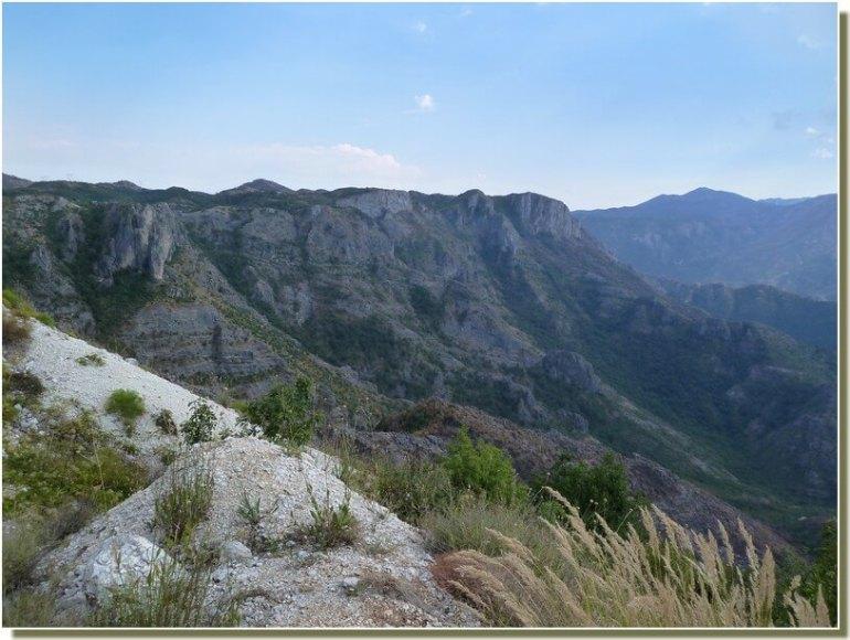Montagnes du Montenegro vues de la Republika Srpska
