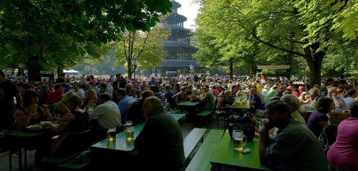 Biergarten de Munich au jardin anglais