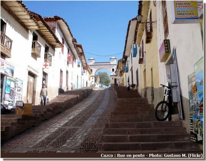 Cuzco rue en pente