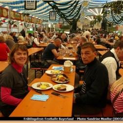 Munich Fruhlingsfest repas bavarois à la Festhalle Bayerland