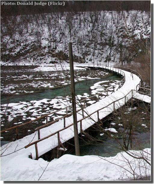 Plitvice sentier enneigé