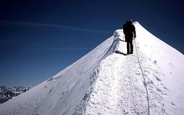 Ascension du Mont Blanc arete d'un sommet