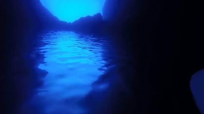 Intérieur grotte bleue de Bisevo