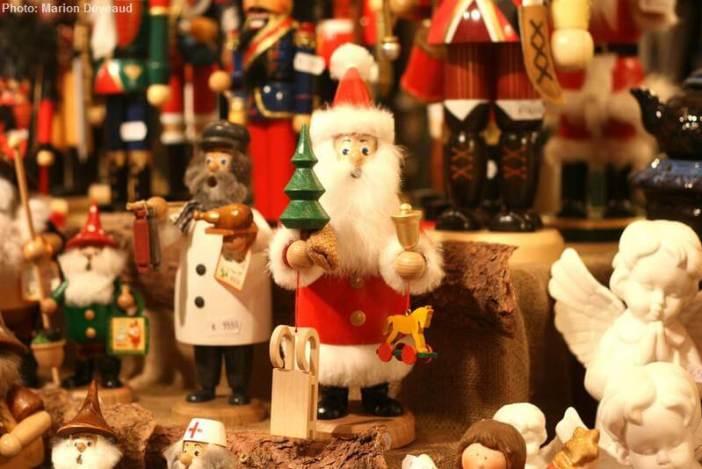 Marché de Noel-à Munich figurine de père noel en bois