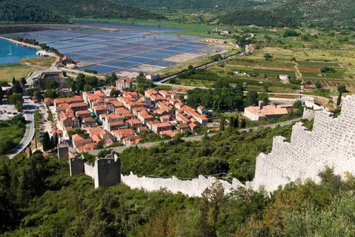 Ston citadelle et étangs