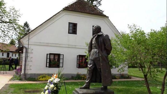 Kumrovec statue du maréchal Tito