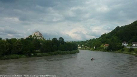 Burghausen am Salzach chateau dominant la rivière