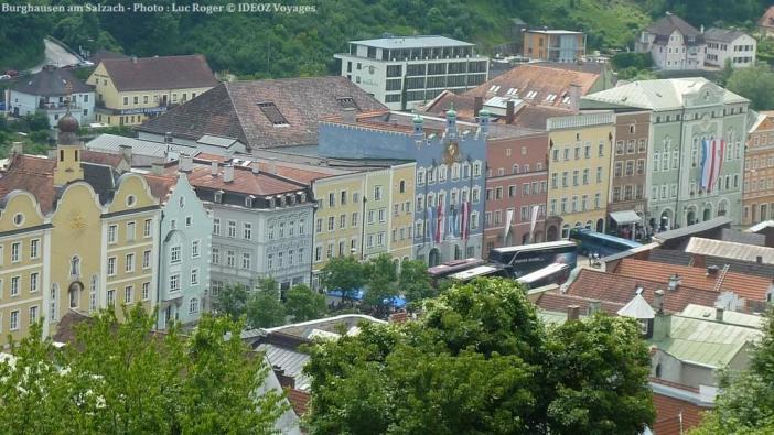 Burghausen am Salzach façades colorées