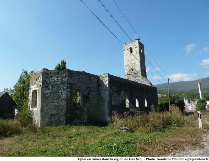 Eglise en ruines en Lika