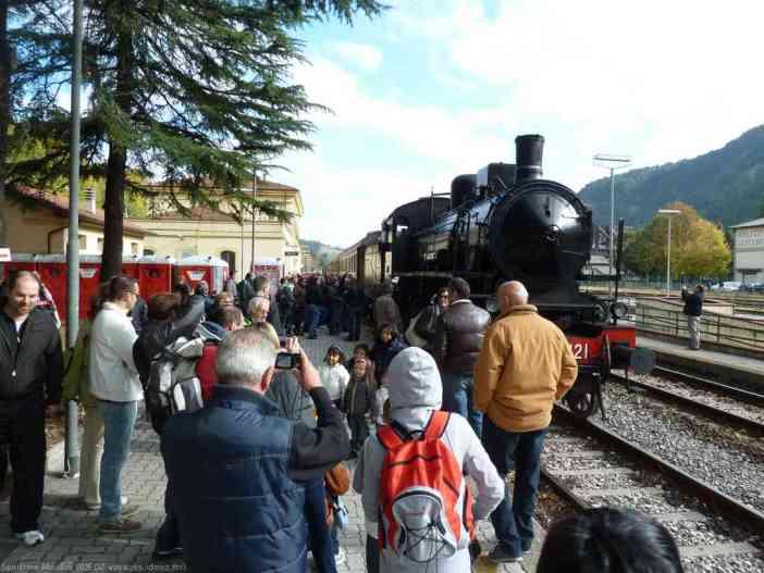 Arrivée de la locomotive de la route du marron venue de Bologne