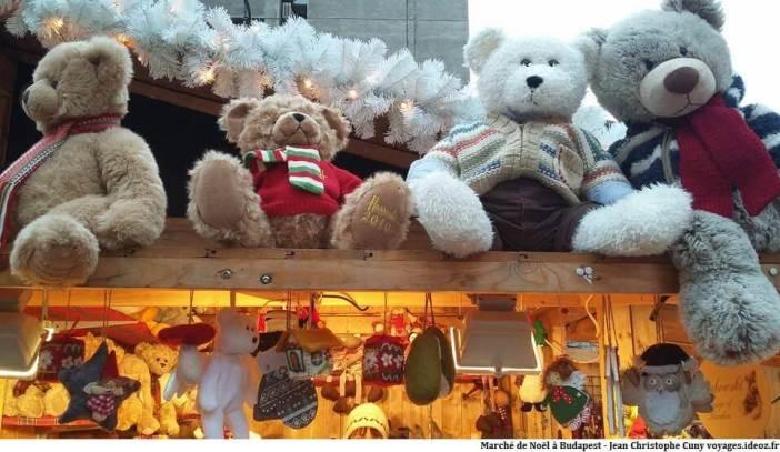 Marché de Noël à Budapest peluches