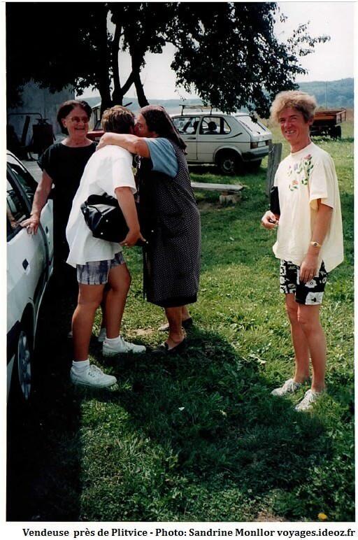 Rencontre avec une vendeuse au bord de la route près de Plitvice en 1996