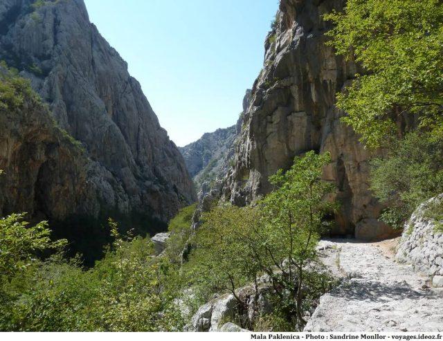 sentier dans le canyon Mala Paklenica