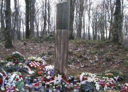 memorial du parc de Plitvice après les paques sanglantes précédant la guerre d'indépendance