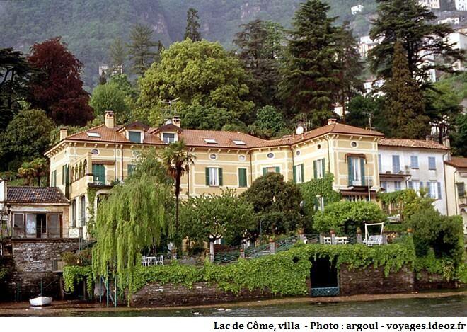 Villa sur le laggo di Coma