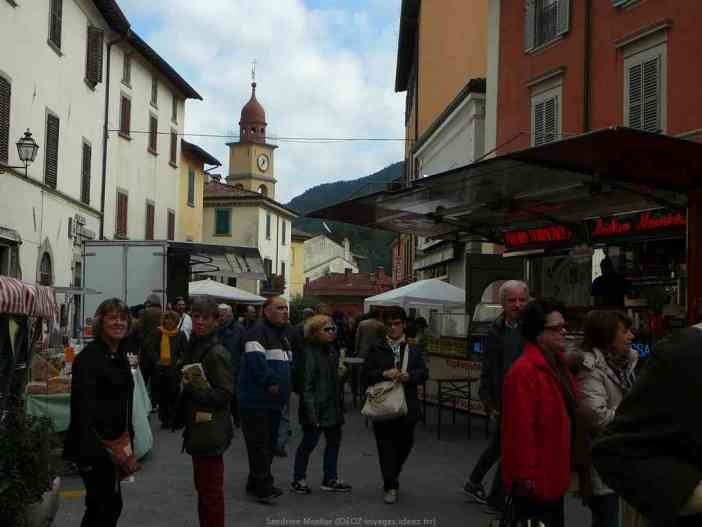 Balade dans les rues de Marradi pendant la fête de la chataigne et du marron