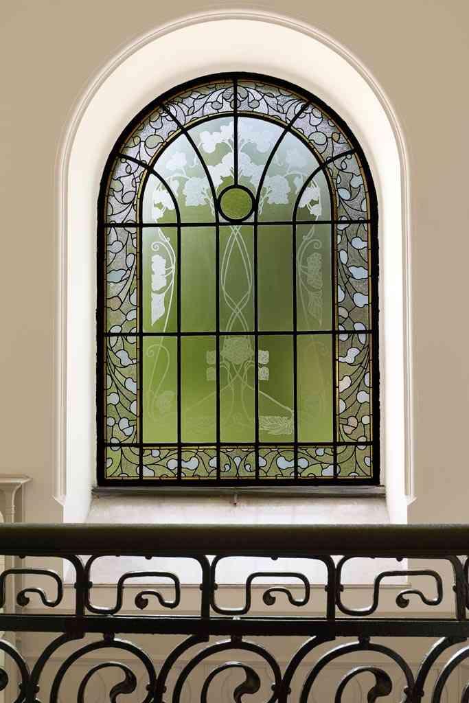 fenêtre du hall d'entrée de la villa György Ráth