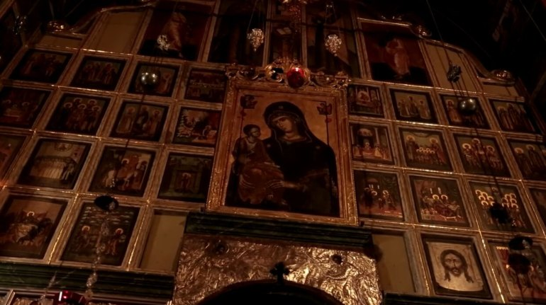 icone de la vierge à l'enfant dans l'église du monastère de krka